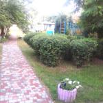 Вид на детскую площадку.